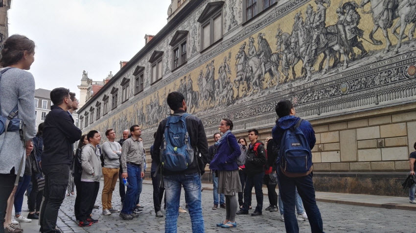 Participants of the GRK 2250/1 International Summer School in the historical center of Dresden