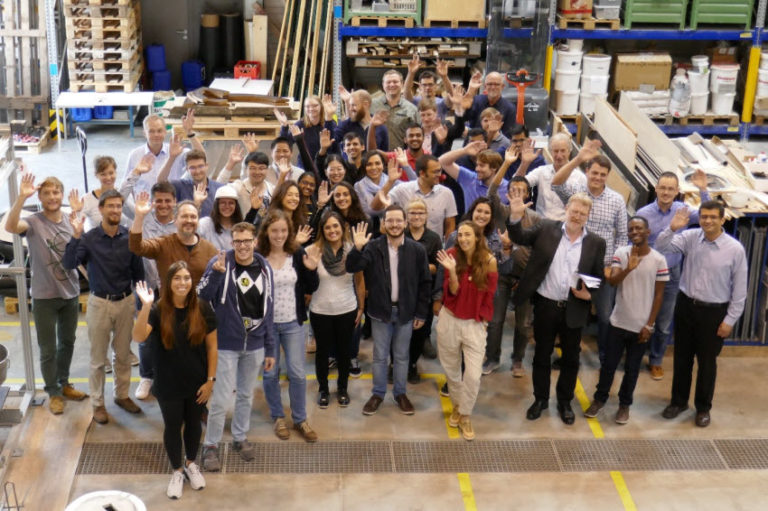 Group photo of the participants of the GRK 2250/1 International Summer School in the Alfred-Hütter Laboratory